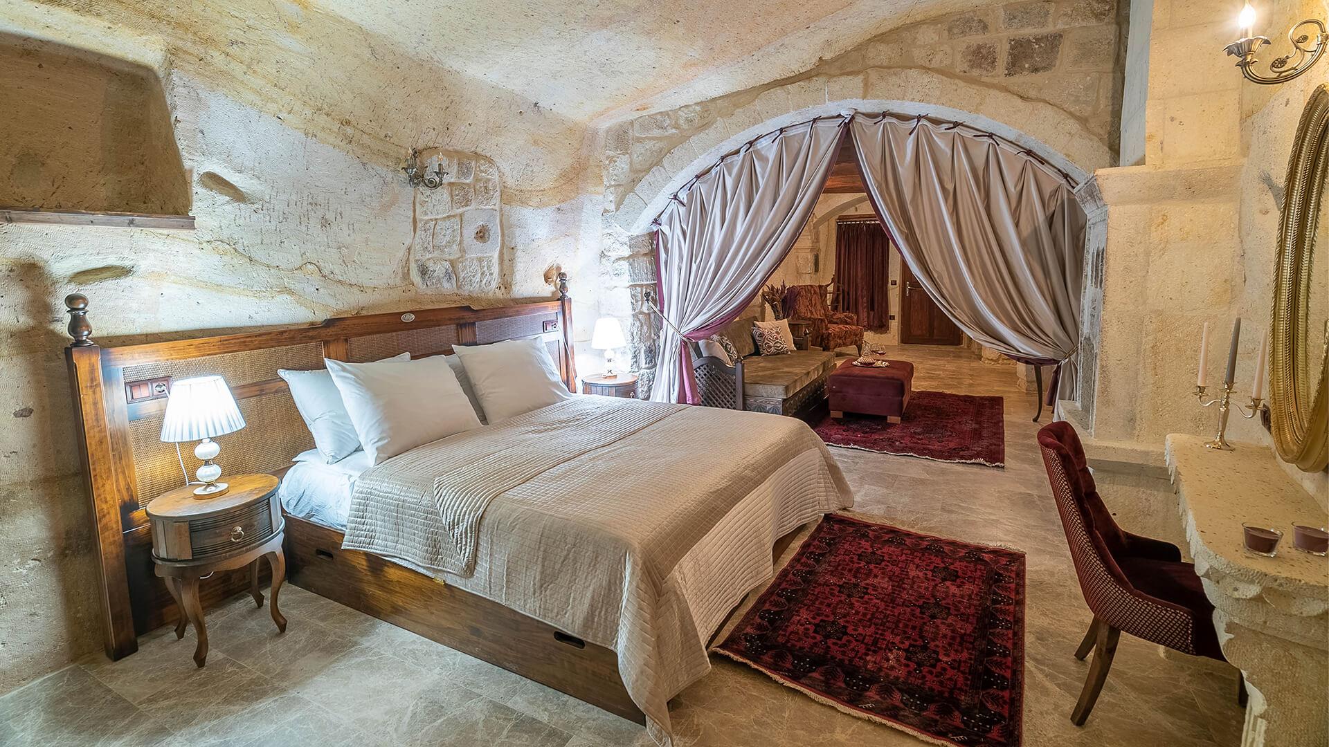 103 -  Superior Cave Suite